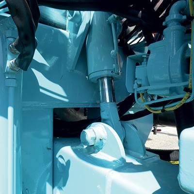 Hydraulic drawbar with nitrogen compensator