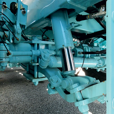 Self-leveling hydraulic suspensions