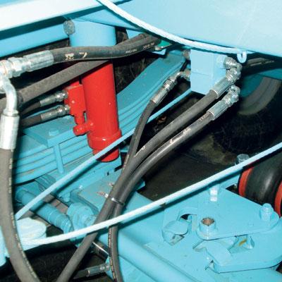 Sospensioni a balestre con bloccaggio idraulico dell'oscillazione