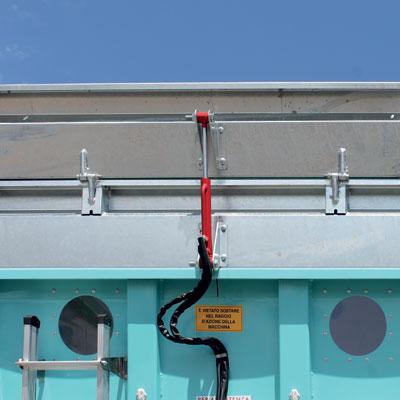 Sovrasponda anteriore a comando idraulico